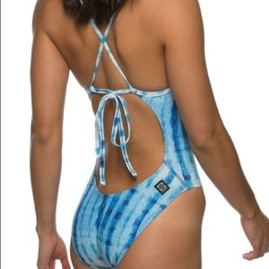 🏊🏼‍♀️ JOLYN swimsuit Jackson 32 blue